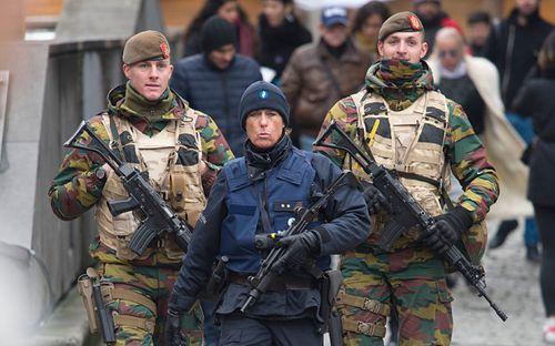 6 nghi phạm khủng bố Paris bị bắt trong cuộc bố ráp của cảnh sát Bỉ - Ảnh 3