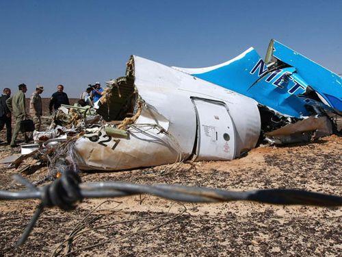 Máy bay Nga nổ vì bị cấy bom giống thảm kịch Lockerbie?  - Ảnh 1