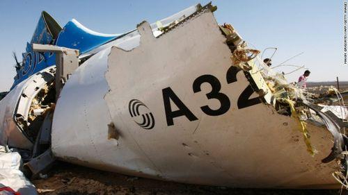 Tình báo Mỹ: IS đặt bom trên máy bay Nga A321  - Ảnh 1