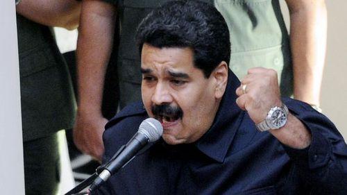Tổng thống Venezuela sẽ cạo râu mép nếu không xây đủ 1 triệu nhà tái định cư - Ảnh 1