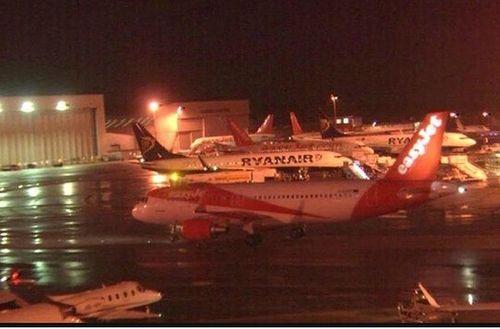 Vụ rơi máy bay Nga: Hơn 1.000 hành khách Anh bị kẹt đã về nước  - Ảnh 1