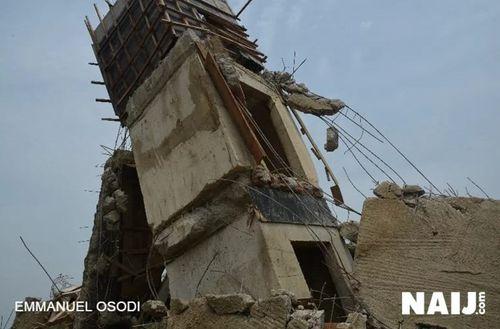 Nigeria: Sập tòa nhà đang xây dựng, ít nhất 22 người thiệt mạng - Ảnh 1