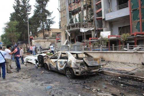 Phiến quân Syria bắn tên lửa vào bệnh viện tại thành phố Aleppo, 19 người chết - Ảnh 1