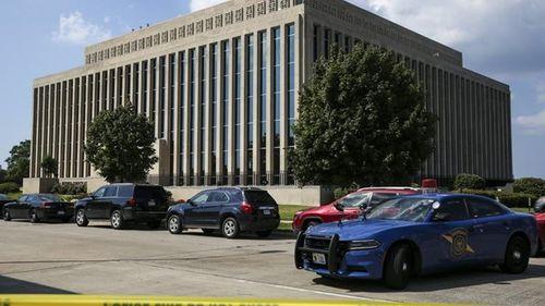 Nổ súng chết người ngay tại tòa án Mỹ - Ảnh 1