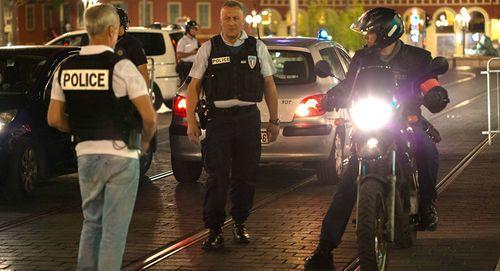 Xác định danh tính nghi phạm vụ khủng bố Pháp - Ảnh 1