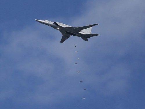 Nga tiếp tục triển khai 6 Tu-22M3, dội bom dồn dập IS ở Syria - Ảnh 1