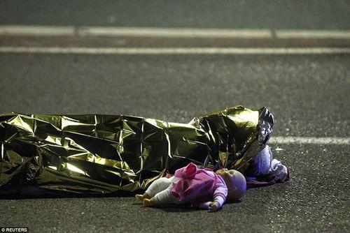 Vụ khủng bố thành phố Nice: Nhiều nạn nhân là trẻ em - Ảnh 1