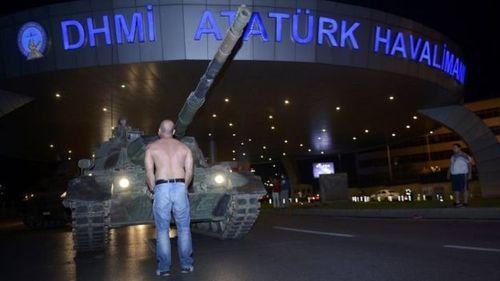 Đảo chính ở Thổ Nhĩ Kỳ: Đoàn đại biểu UNESCO VN kẹt tại Istanbul - Ảnh 2
