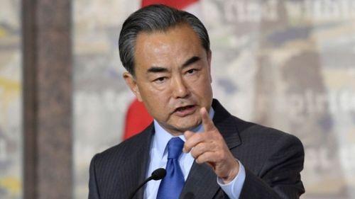 Ngoại trưởng Trung Quốc cảnh báo trực diện đồng cấp Philippines - Ảnh 1