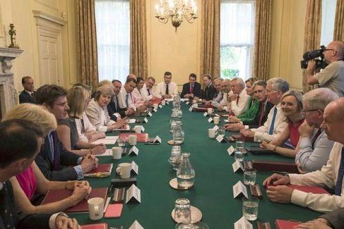 Thủ tướng Anh yêu cầu các Bộ trưởng tích cực thúc đẩy Brexit  - Ảnh 2