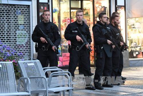 Thanh niên 16 tuổi bị bắt vì nghi có liên quan vụ xả súng Đức - Ảnh 1