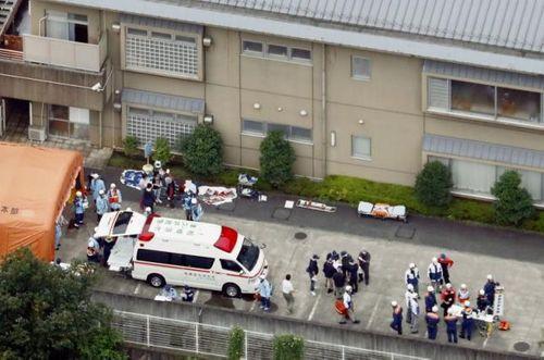 Tấn công bằng dao tại Nhật Bản, ít nhất 64 người thương vong - Ảnh 1