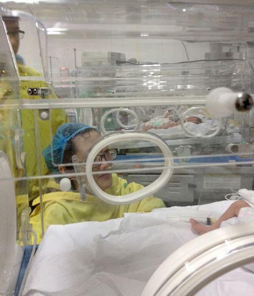 Nữ công an từ chối điều trị ung thư để giữ con đã từ trần - Ảnh 2