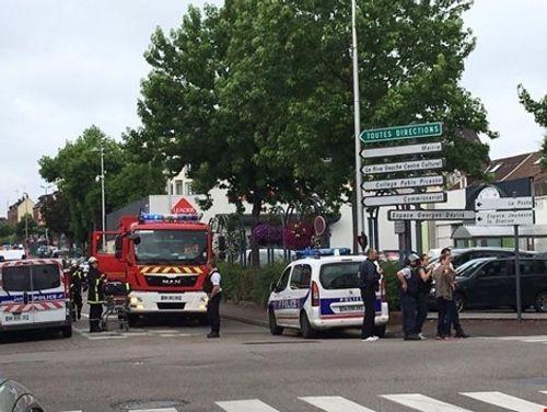 IS tuyên bố nhận trách nhiệm vụ tấn công nhà thờ Pháp - Ảnh 1