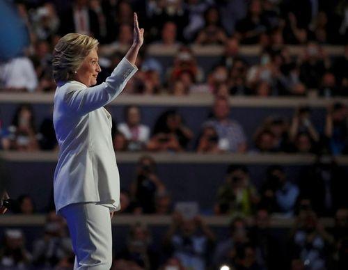 Hillary Clinton chính thức chấp nhận đề cử ứng viên Tổng thống Mỹ - Ảnh 1
