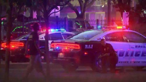 Tiết lộ lý do hung thủ bắn cảnh sát ở Mỹ - Ảnh 1