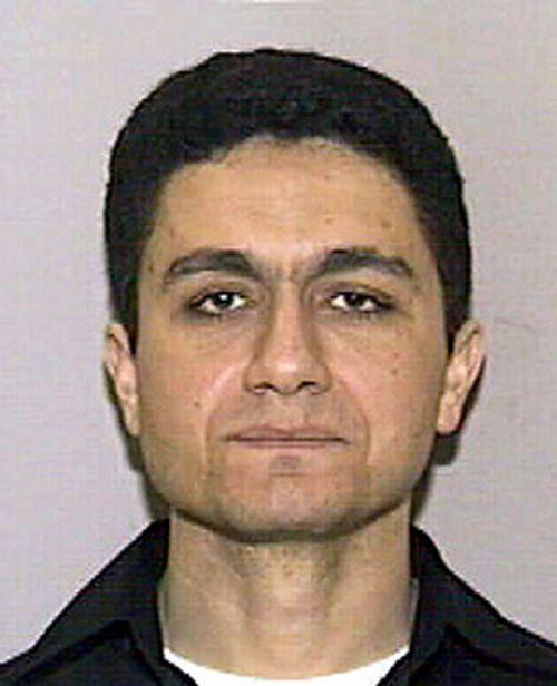Mẹ của tên không tặc trong vụ 11/9 tin rằng con trai còn sống - Ảnh 1