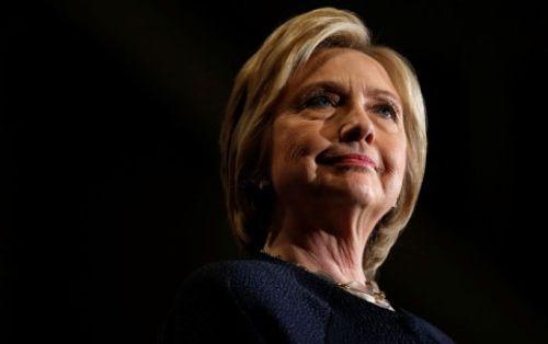 Hillary Clinton công khai hồ sơ y tế sau  nghi vấn về sức khỏe - Ảnh 1