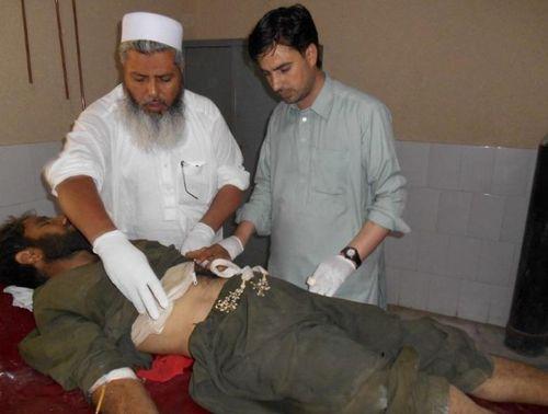 Taliban đánh bom liều chết tại Pakistan, ít nhất 55 người thương vong - Ảnh 1