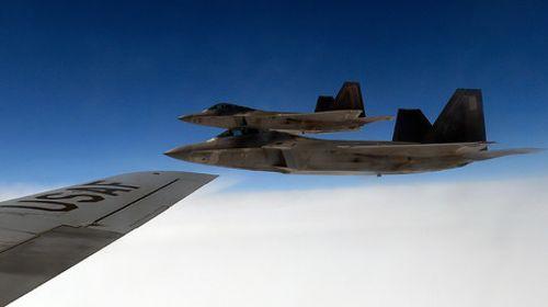 Mỹ không kích nhầm khiến 80 binh sĩ chính phủ Syria thiệt mạng - Ảnh 1
