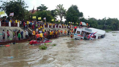 Lật tàu chở khách ở Thái Lan, 13 người thiệt mạng - Ảnh 1