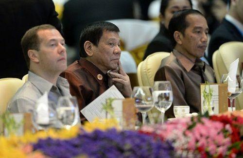 """Tổng thống Philippines """"tránh mặt"""" Tổng thống Mỹ và TTK LHQ Ban Ki Moon? - Ảnh 1"""
