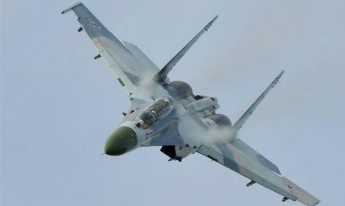 Chiến đấu cơ Nga áp sát nguy hiểm máy bay Mỹ - Ảnh 1