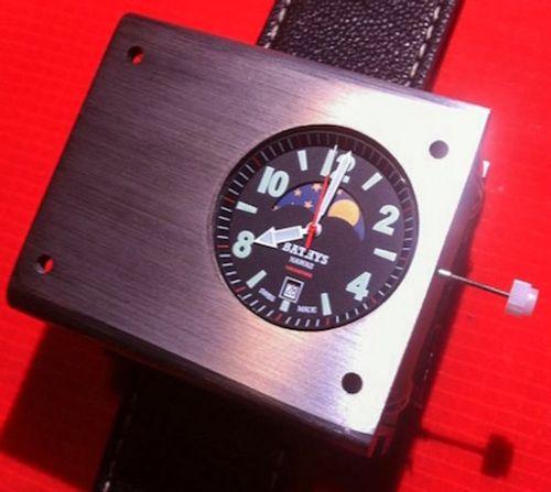 Chiêm ngưỡng đồng hồ đeo tay nguyên tử đầu tiên trên thế giới - Ảnh 4