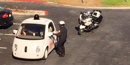 """Xe tự lái của Google bị cảnh sát """"bắn tốc độ""""  - Ảnh 1"""