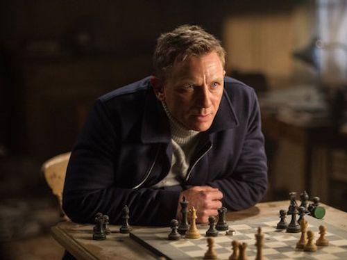Soi trang phục, phụ kiện hàng hiệu của Điệp viên 007 - Ảnh 1