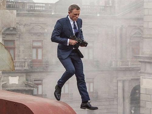 Soi trang phục, phụ kiện hàng hiệu của Điệp viên 007 - Ảnh 7