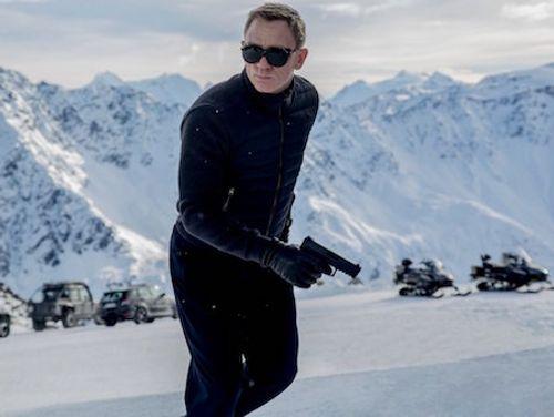 Soi trang phục, phụ kiện hàng hiệu của Điệp viên 007 - Ảnh 9