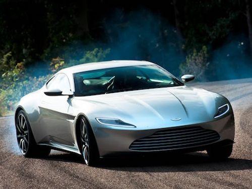 Soi trang phục, phụ kiện hàng hiệu của Điệp viên 007 - Ảnh 12