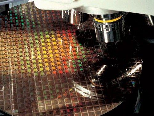 Tại sao chip A10 của Apple chỉ được chế tạo với 2 lõi? - Ảnh 4