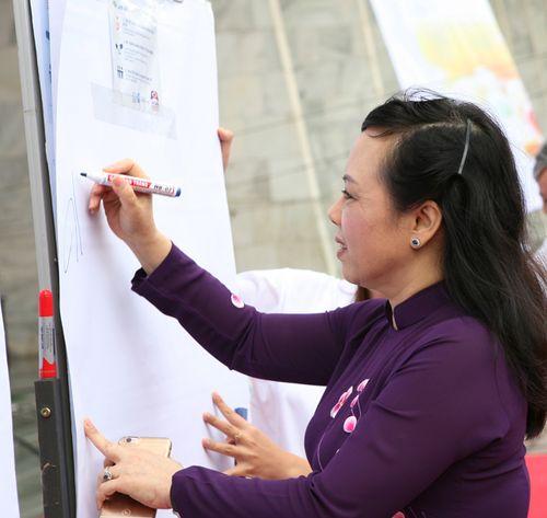 Việt Nam phối hợp với WHO truyền thông phòng kháng thuốc - Ảnh 2