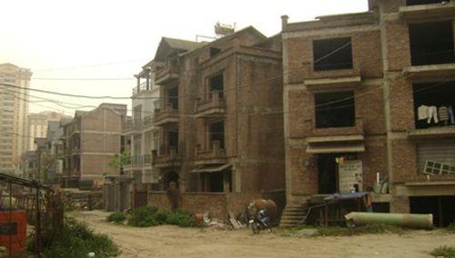 Những khu đô thị nghìn tỷ mọc rêu vắng bóng người - Ảnh 7