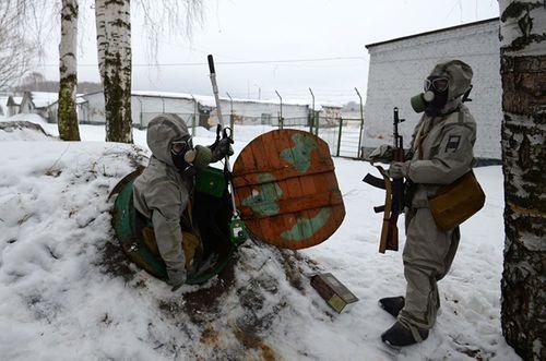 Vẻ đẹp nữ binh Nga dưới lớp quân trang - Ảnh 3