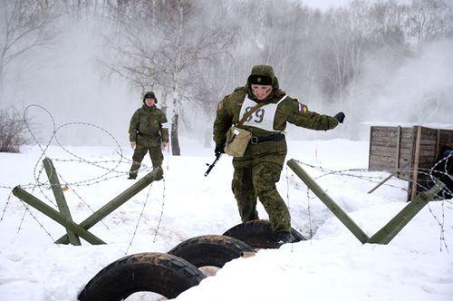 Vẻ đẹp nữ binh Nga dưới lớp quân trang - Ảnh 6