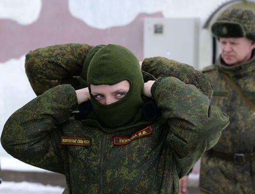 Vẻ đẹp nữ binh Nga dưới lớp quân trang - Ảnh 8