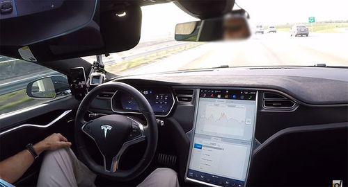 """Kỹ sư Volvo """"chê"""" hệ thống lái tự động của Tesla - Ảnh 1"""