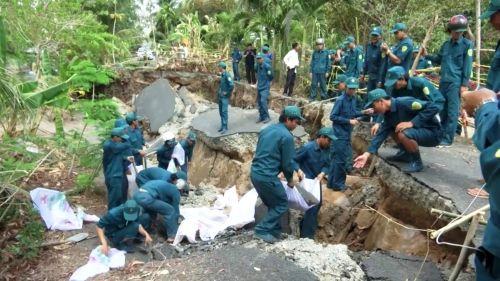 Sạt lở đất trên diện rộng tại tỉnh Cà Mau - Ảnh 1