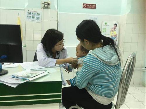 TP. Hồ Chí Minh mở đợt đăng ký tiêm 20.000 liều vắc xin Pentaxim - Ảnh 1