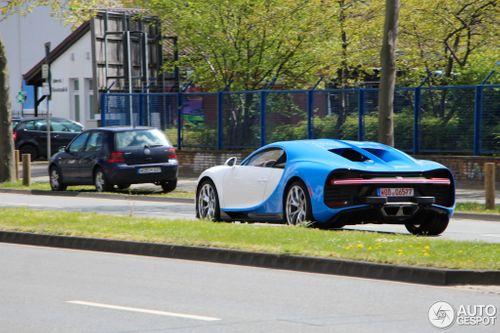 """""""Thần gió"""" Bugatti Chiron xuất hiện với """"đường cong"""" quyến rũ - Ảnh 1"""