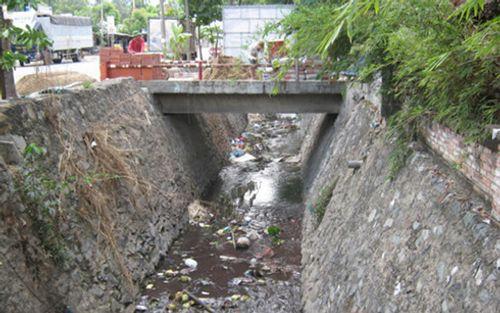 TP. Hồ Chí Minh nạo vét 18 kênh ô nhiễm nặng  - Ảnh 1