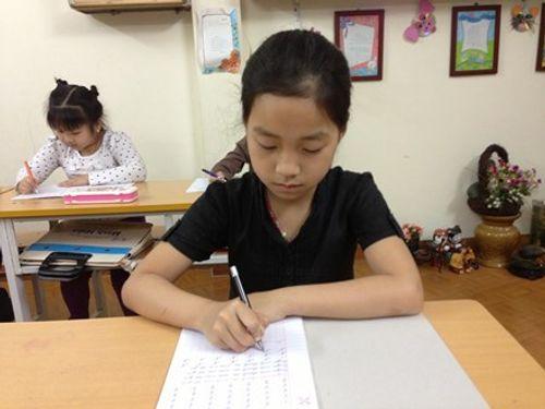 Hà Nội nghiêm cấm các trường kiểm tra xếp lớp chọn - Ảnh 1
