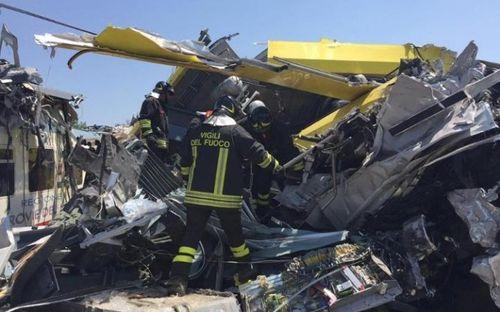 Hai tàu đâm trực diện tại Italy, 20 người thiệt mạng - Ảnh 2