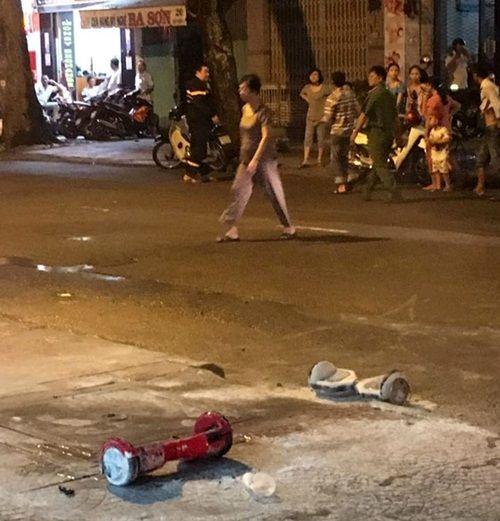 Xe điện cân bằng phát nổ ở trung tâm Sài Gòn - Ảnh 1