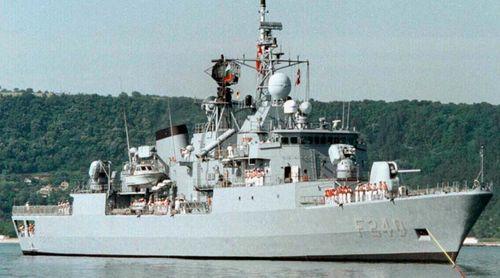 Phe đảo chính ở Thổ Nhĩ Kỳ bất ngờ chiếm tàu khu trục, bắt giữ đô đốc - Ảnh 1