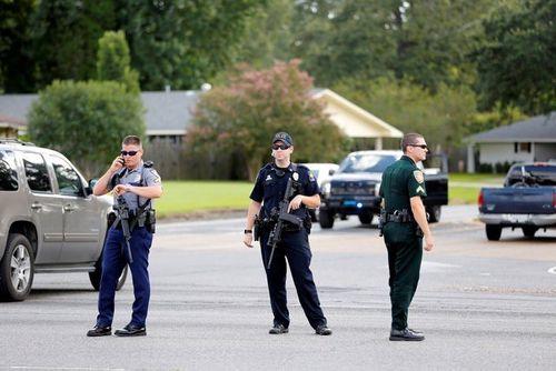 Hung thủ bắn 3 cảnh sát Mỹ từng là lính thủy quân lục chiến - Ảnh 1