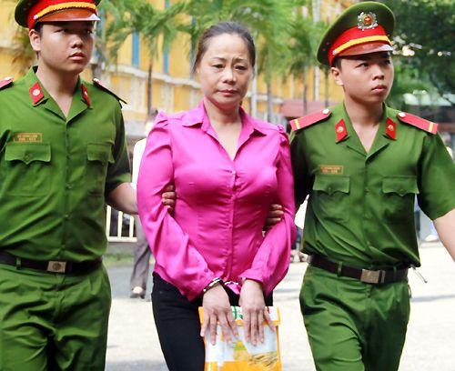Hoa hậu quý bà Trương Thị Tuyết Nga hầu tòa vì lừa đảo - Ảnh 1